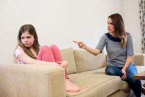 واکنش مناسب در برایر کودک لجباز